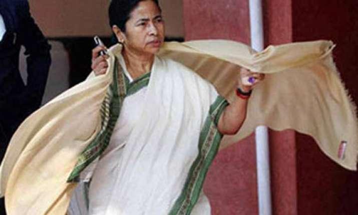 mamata lying to people on rural jobs scheme congress