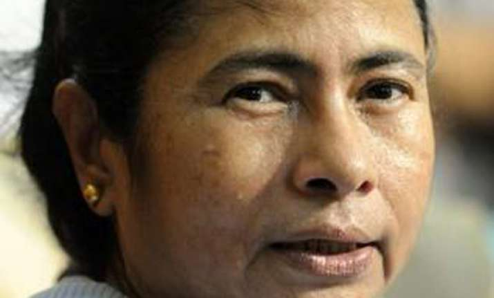 mamata to send letters to all families seeking support