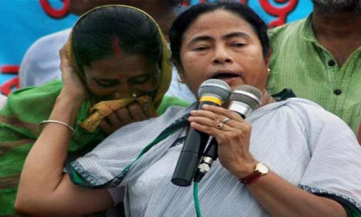 mamata accuses cpi m of siphoning off money in bengal