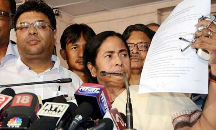 mamata offers fresh package to maoists