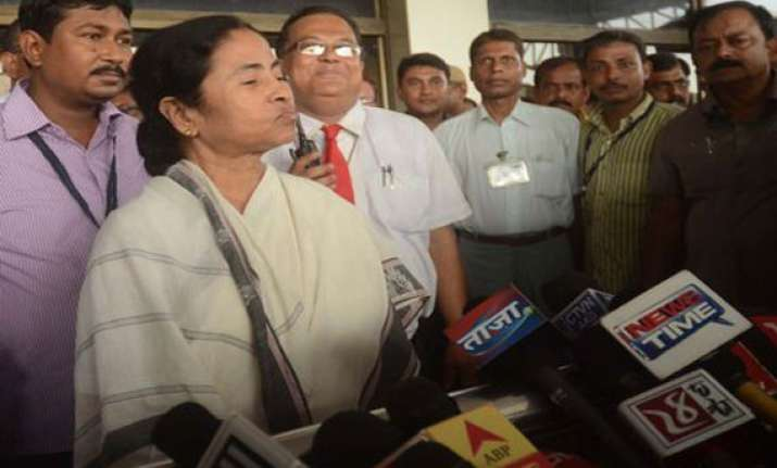 mamata compares her critics with barking dogs