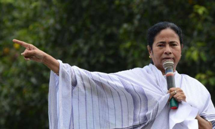 mamata offers to support left s no trust motion against upa