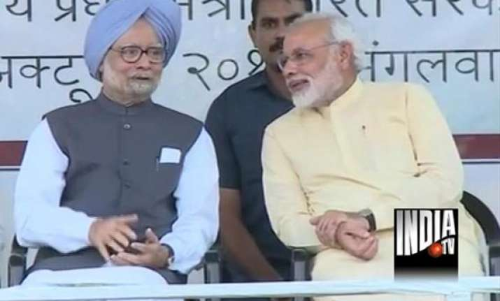 with manmohan on stage modi says patel should have been