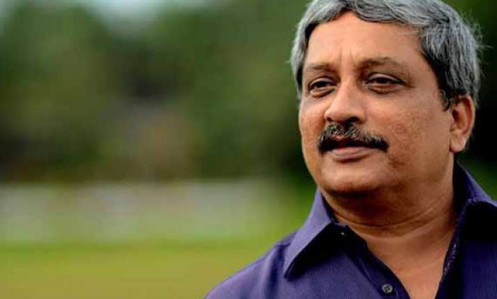 manohar parrikar accuses media of biased and paid news