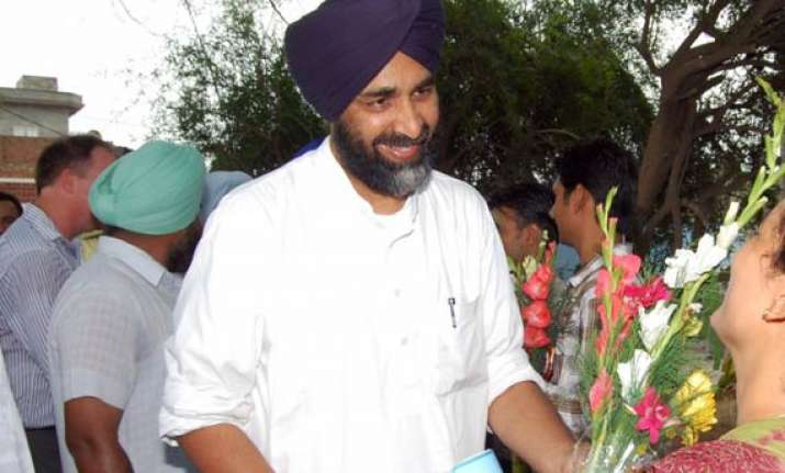 manpreet offers to quit politics if sad manages rally in