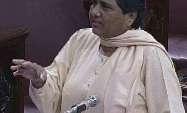 mayawati demands president s rule in kashmir