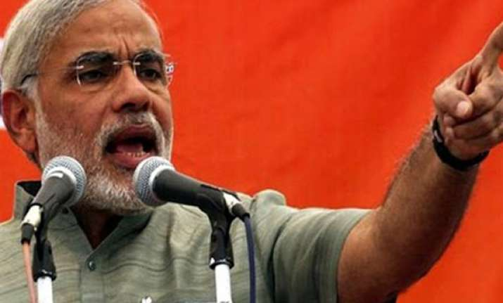 modi attacks pm says his independence speech will reflect