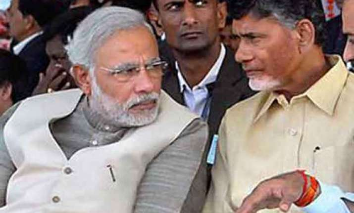 modi speaks to chandrababu on seemandhra polling pattern
