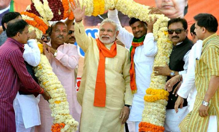 modi to visit varanasi day after counting of votes