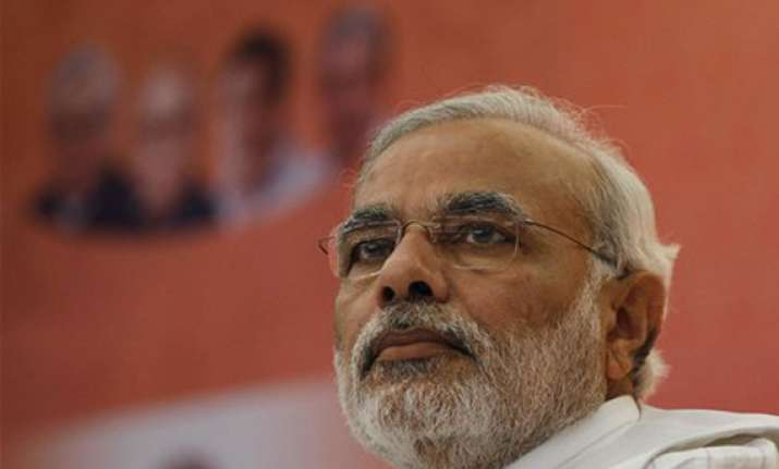 modi gets rousing welcome at bjp office