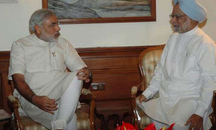 modi meets pm gives memorandum on sardar sarovar
