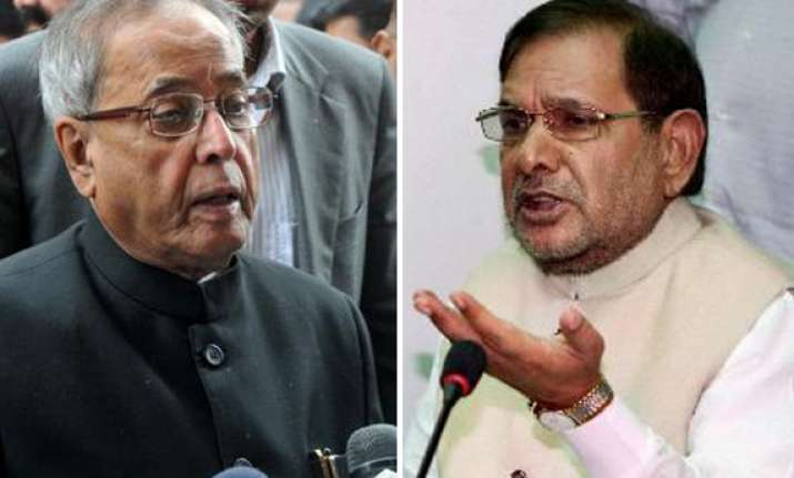 mukherjee meets sharad yadav to thank him for jd u support