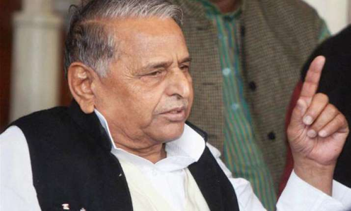mulayam predicts third front govt after ls polls