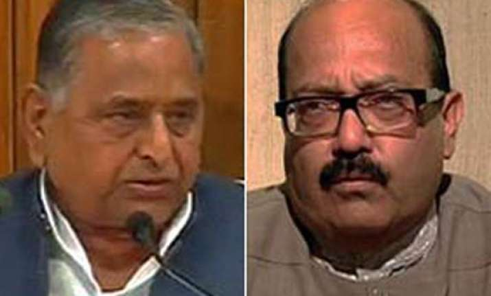 mulayam comes out in support of amar in cash for vote scam