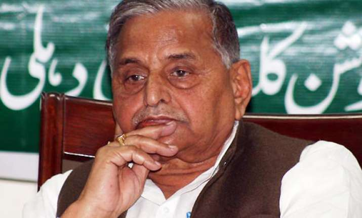 mulayam backtracks after saying he can support congress in