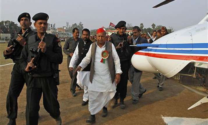 mulayam promises no forced acquisition of land