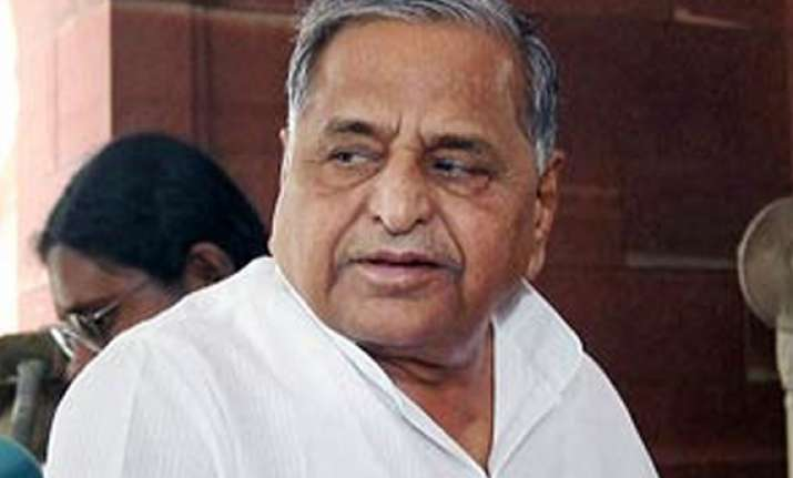 mulayam bats for central aid for uttar pradesh