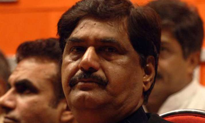 munde claims rs. 8 crore spent during 2009 ls election