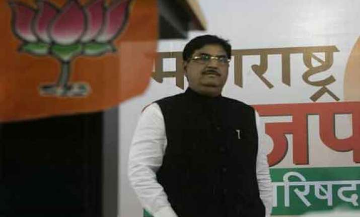 munde s death second mid summer tragedy for bjp
