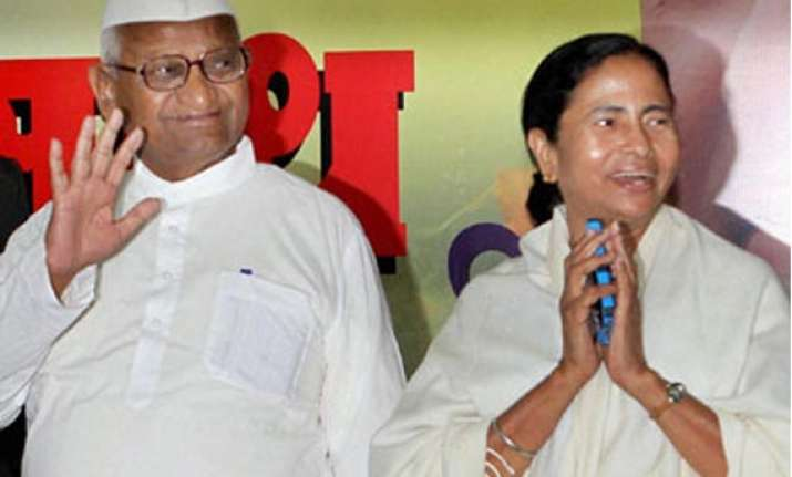 muslim cleric warns mamata against ties with hazare