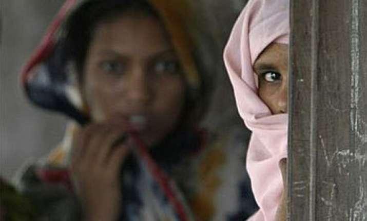 muslims wary of modi fondly remember vajpayee