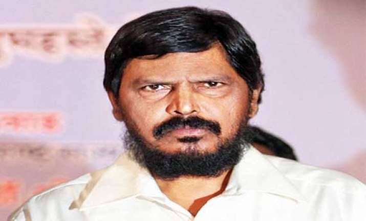 nda to bag 300 lok sabha seats athawale