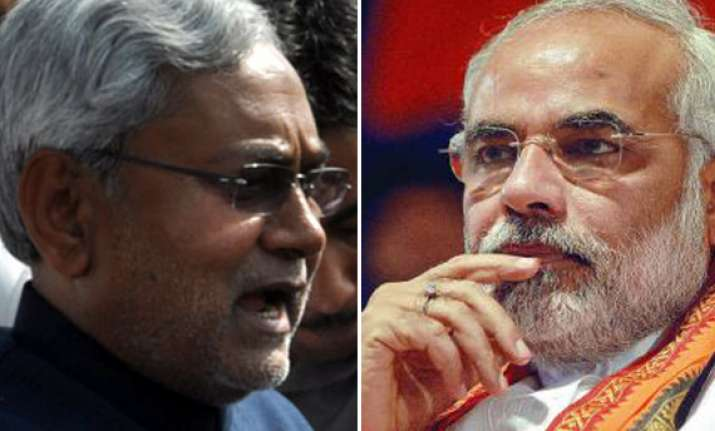 narendra modi will not be acceptable as pm hints nitish