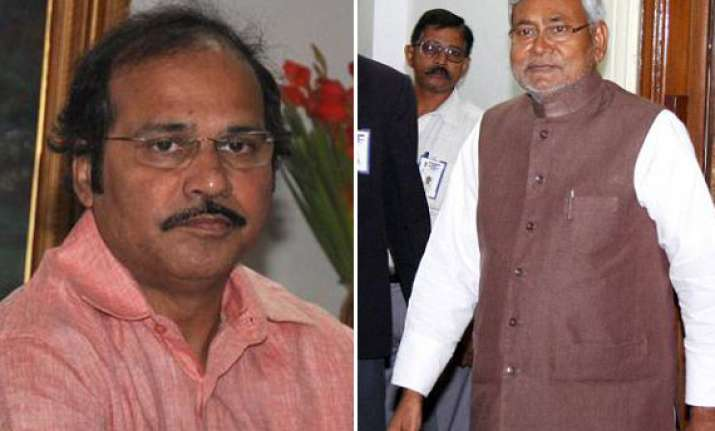 nitish kumar calls railways minister a fool