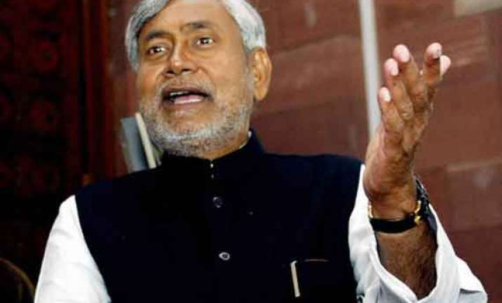 nitish calls paswan expert in political somersault