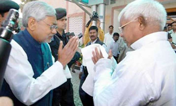 nitish wants to break ties with bjp lalu