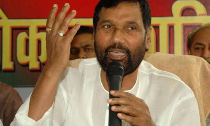no one reads manifesto leader s intention important paswan