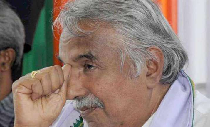 no threat to udf government in kerala says cm chandy