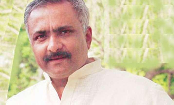 nothing wrong between modi and me says bjp leader sanjay