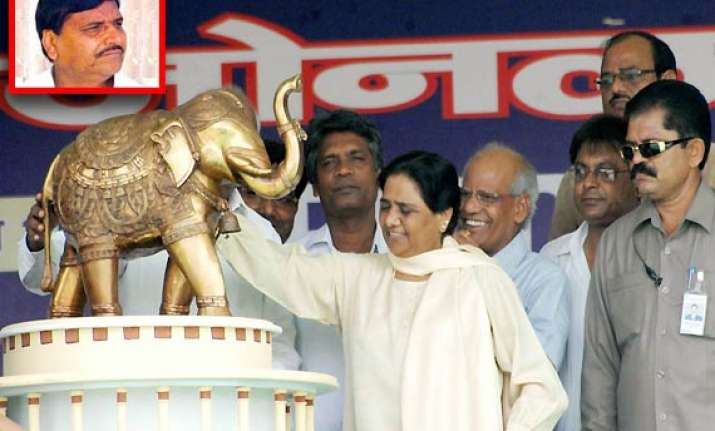 oppn parties rattled by mayawati s trump card