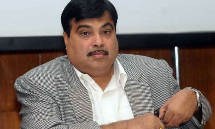 pm sonia are producer and director says gadkari