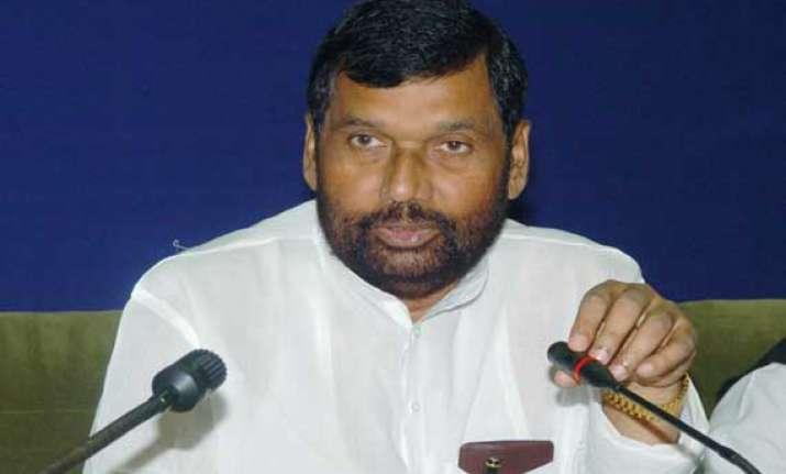 paswan promises action against foodgrain hoarders