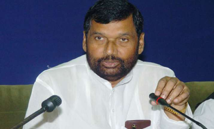 paswan returns to nda after 12 years ljp gets 7 seats in