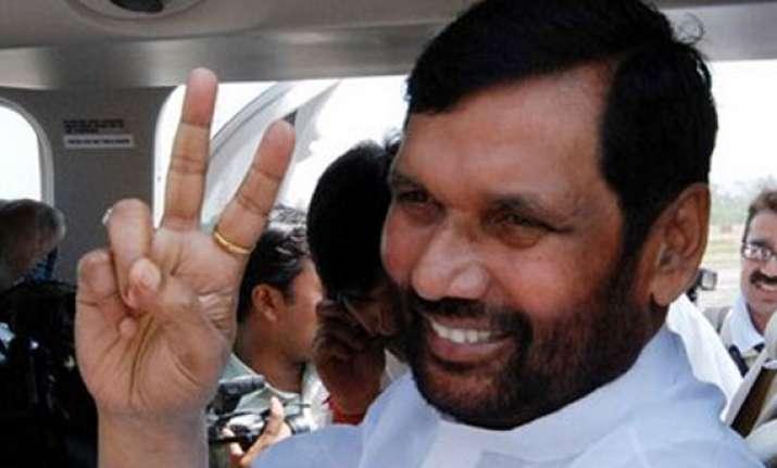 paswan criticises bihar govt