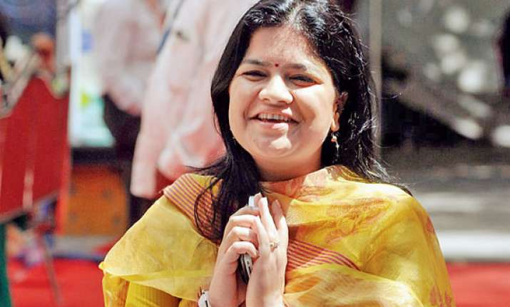 pramod mahajan s daughter among giant killers in maharashtra
