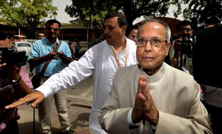 pranab to kickstart his campaign from tn on saturday