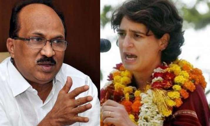 priyanka should take up formal position in congress thomas