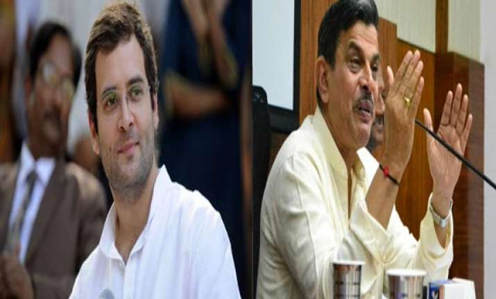 rss supports rahul gandhi s remarks on isi trying to lure