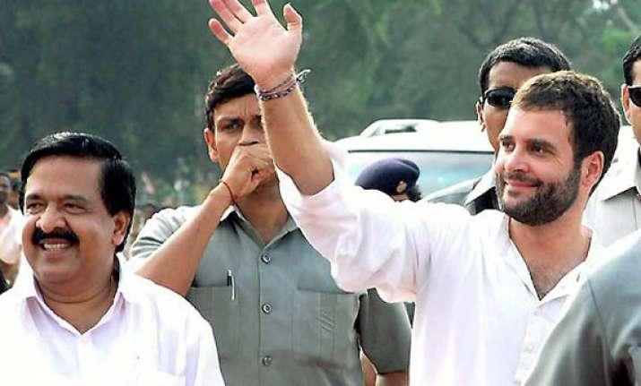 rahul reviews political situation in kerala