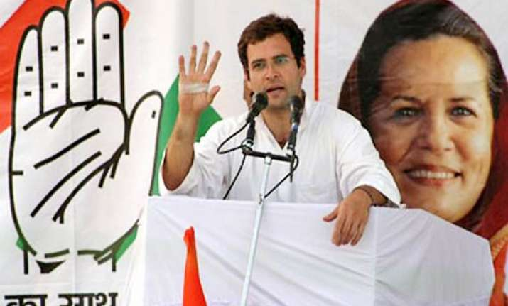 rahul asks youth to revive congress in up
