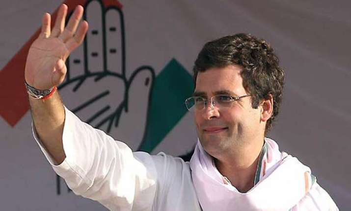 rahul in favour of bringing new leadership in congress