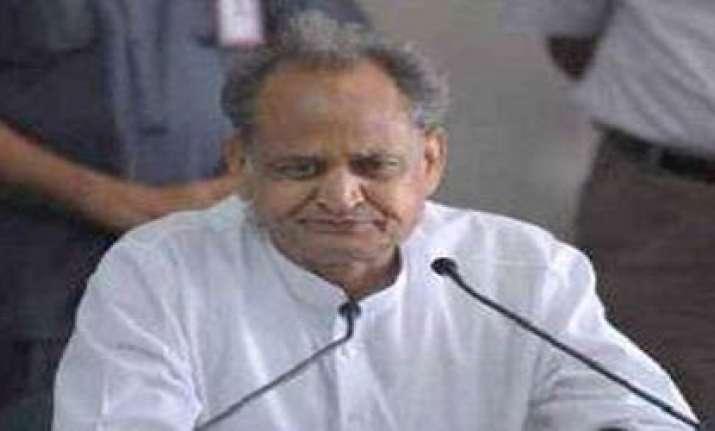 rajasthan cm challenges raje to prove him corrupt