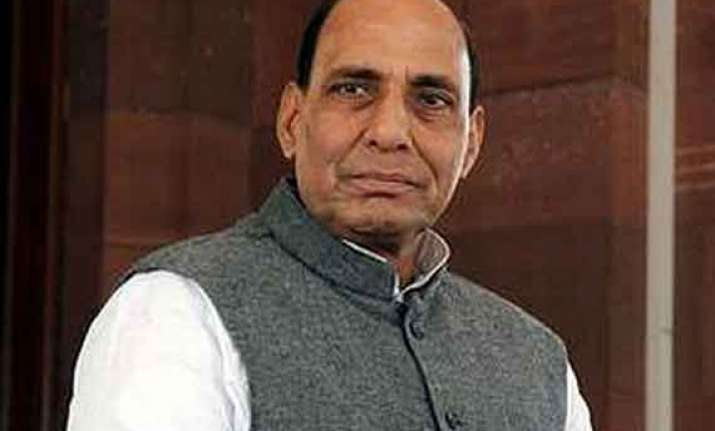 rajnath takes up women s safety with delhi police