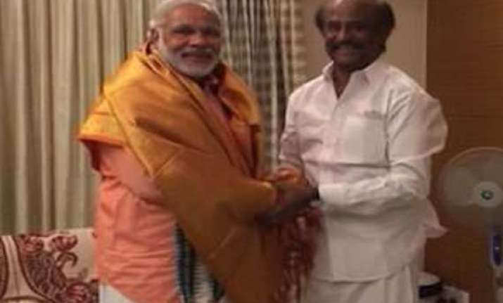 rajnikanth lauds narendra modi as a strong leader