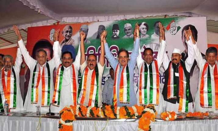 rampant corruption in uttarakhand congress tells president