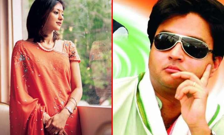 b day special jyotiraditya scindia and wife priyadarshini